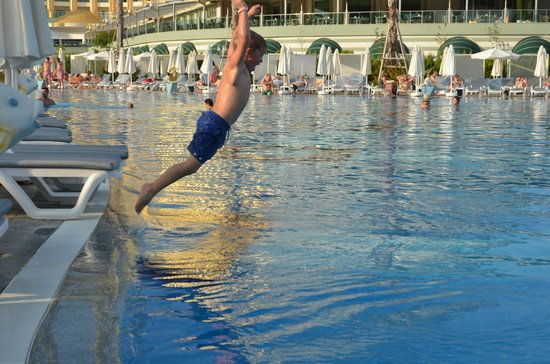 Delphin Imperial Hotel Lara: A typical situation when our family travel.