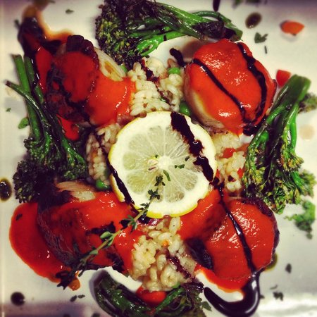 Mio Vino Wine Bar & Bistro: Scallops