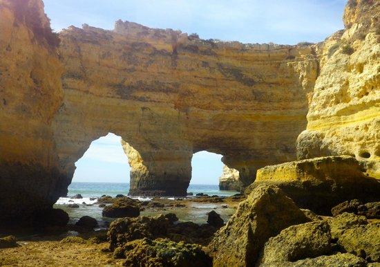 Praia marinha:                   Rock formations at end of beach