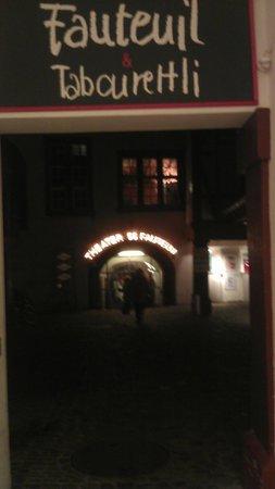 Theater Fauteuil:                   Im Hof