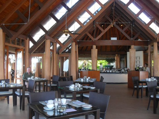 Baros Maldives: the breakfast crowd