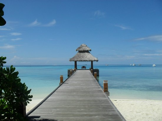 Baros Maldives: the welcome jetty
