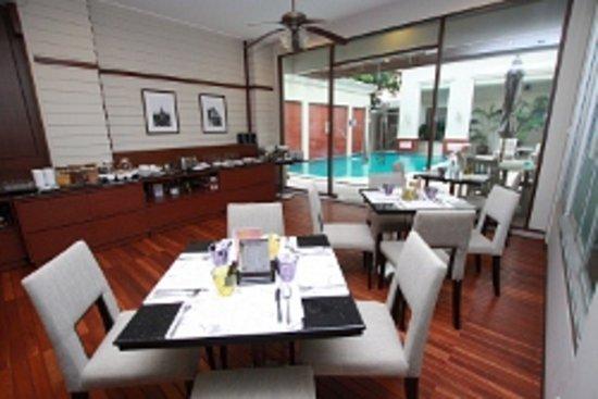 Asoke Residence Sukhumvit: Coffee Shop