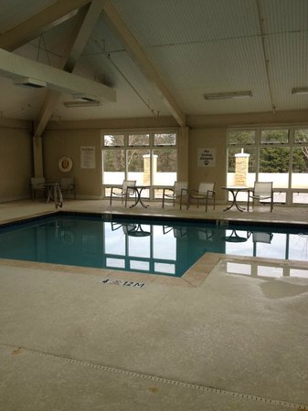 Holiday Inn Express & Suites : Lovely warm pool