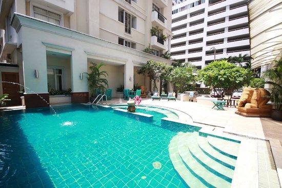 Asoke Residence Sukhumvit: Swimming Pool