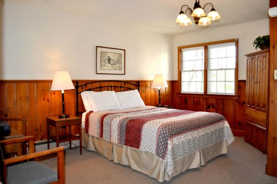 """New Hope Lodge: Room 8 """"One Queen Size Room"""""""