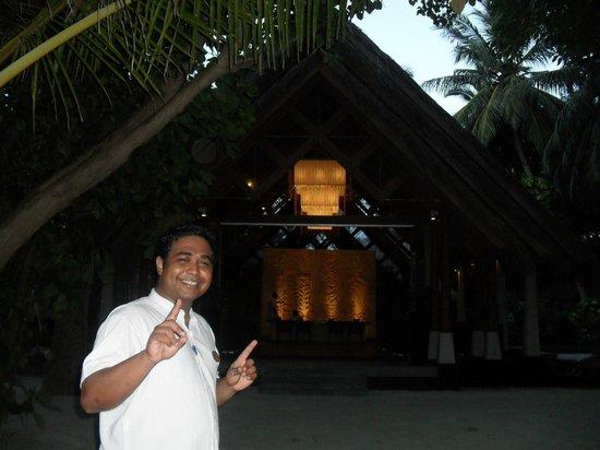 Baros Maldives : Ubain, our villa liason