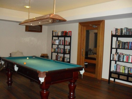 Baros Maldives: Books on loan, and pool table