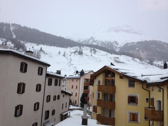 Hotel Misani: View from the room towards the start of the Celerina-Marguns gondola