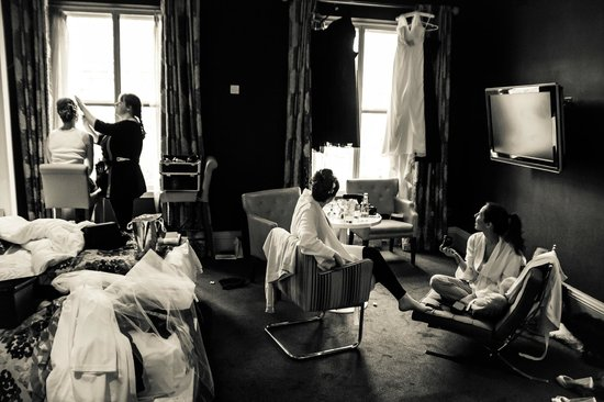 The Rutland Hotel: enough room for 5 ladies getting ready