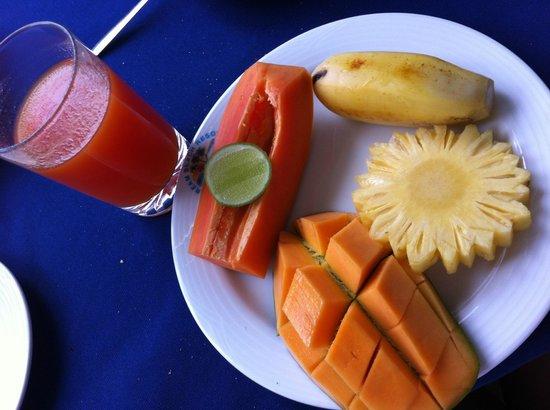 JUCE Ambalangoda JUCE Ambalangoda: Фрукты на завтрак