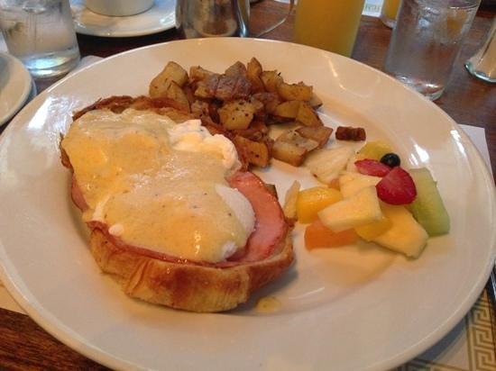 Cafe Bastille : eggs Benedict served over fresh croissant
