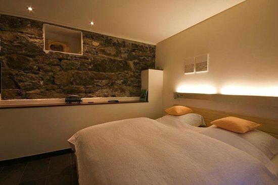 Himmel uber Dafins: Old walls for perfect sleep
