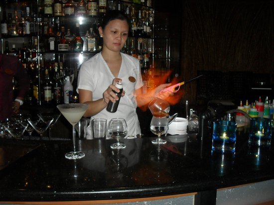 Baros Maldives: another special flamed drink from the Lighthouse