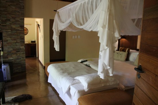 Shishangeni Private Lodge: Slaapkamer