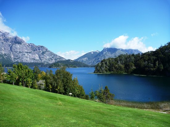 Llao Llao Hotel and Resort Golf Spa: Вид с территории отеля