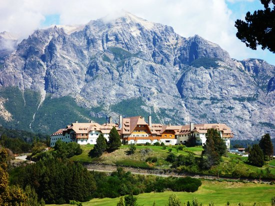 Llao Llao Hotel and Resort Golf Spa: Вид на отель