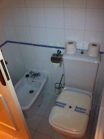 Club Bellasol: Bathroom