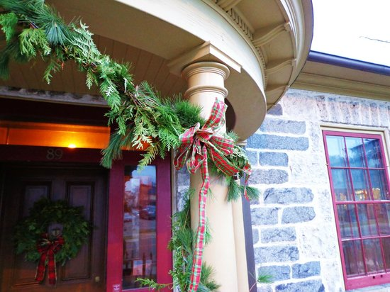 McDougall Cottage : Christmas time
