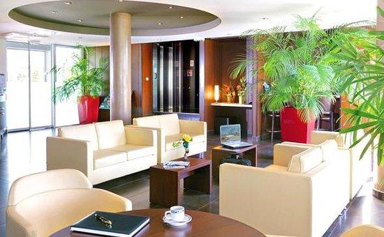 Appart 39 city confort nantes ouest saint herblain hotel for Hotel park et suite
