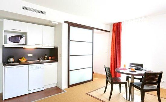 Appart'City Confort Nantes Ouest Saint Herblain : Park&Suites Nantes Atlantis - 1-bedroom Apartment