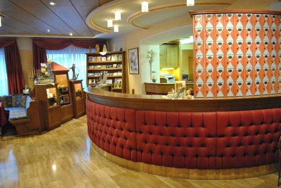 Granpanorama Hotel StephansHof: Reception