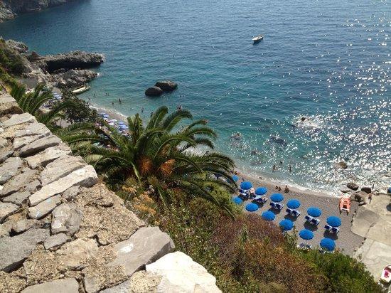 Il Saraceno Grand Hotel: Dall'alto la spiaggia....
