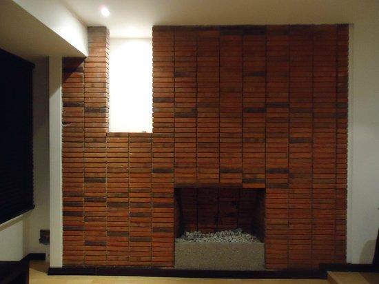 Candelaria Suites: Chimenea