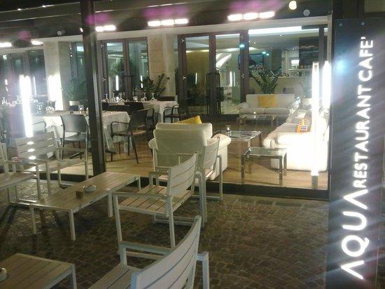 Aqua Restaurant & Lounge Cafe: Foto da esterno