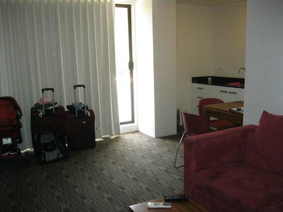 كامبريدج هوتل سيدني: Living area