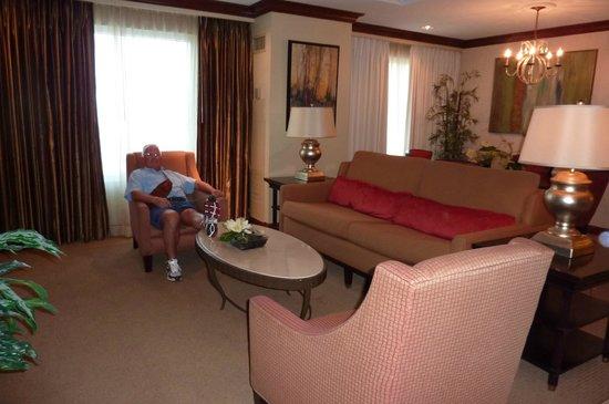 Harrah's Gulf Coast: living area in suite