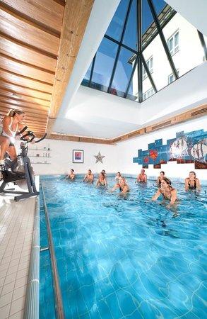 Kneipp- und WellVitalhotel Edelweiss: Hallenbad mit Aquacycling