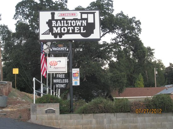 Jamestown Railtown Motel: This is what to look for from the street