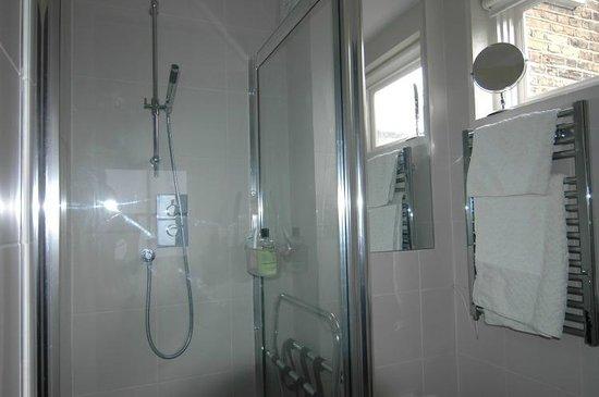 Pooters Bed & Breakfast: Ensuite Shower Room