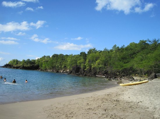 Anse La Raye, St. Lucia: Beach towards snorkeling area