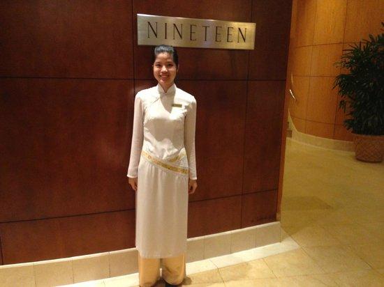Caravelle Saigon: Anmeldedame zum Buffet