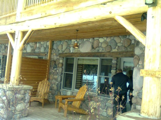 Rainbow Ranch Lodge: Trout Pond suite