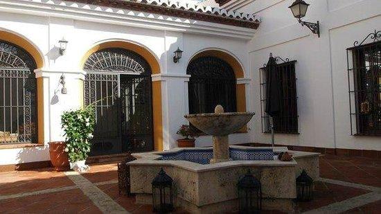 Cortijo Sabila: Andalucian courtyard