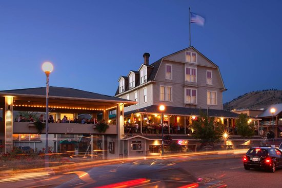 Campbell's Resort on Lake Chelan: Historic Hotel