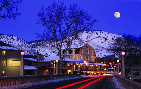 Campbell's Resort on Lake Chelan: Winter is beautiful in Lake Chelan