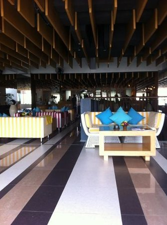 The ONE Legian: lobby