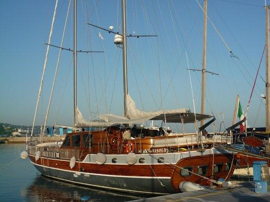 Plaghia Boat & Breakfast: SILVER STAR II