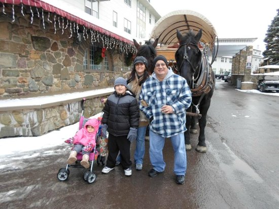 Pocono Manor Resort & Spa: Christmas Day Horse And Carriage Ride