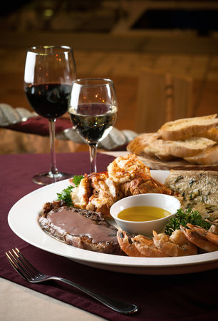 La Taverna GastroBar: Surf & Turf for 2. Fresh Lobster, Mahi and Sirloin on Tempranillo Roux...