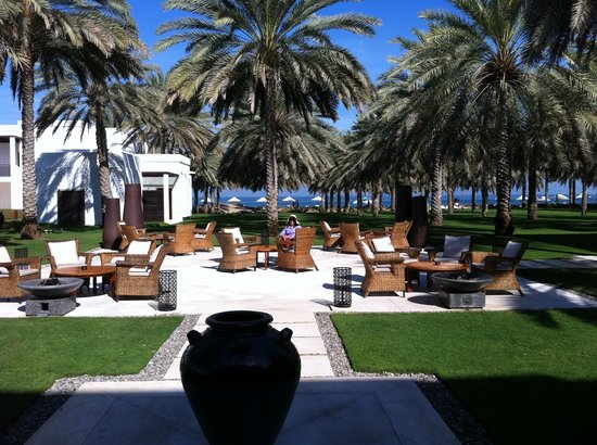 The Chedi Muscat – a GHM hotel: A lovely place to have champers at night