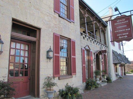 Old Talbott Tavern: Interesting Design and History