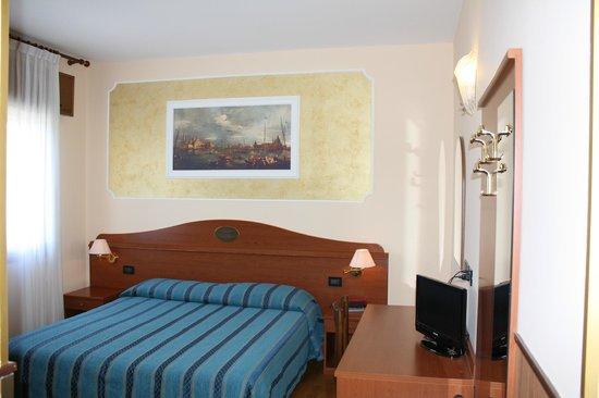 Hotel Belfiore: camera matrimoniale