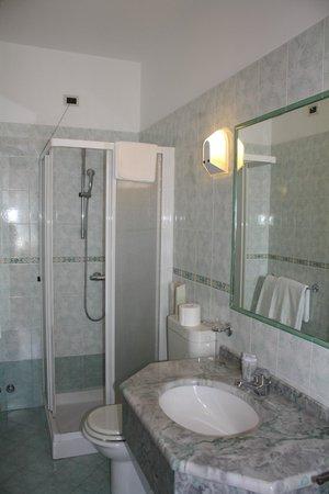 Hotel Belfiore: bagno in camera