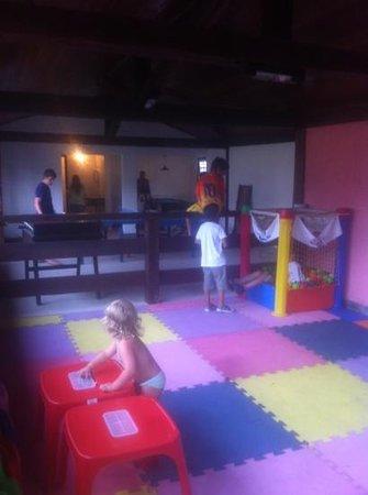 Pousada dos Tangaras:                                     desastrosa sala de juegos