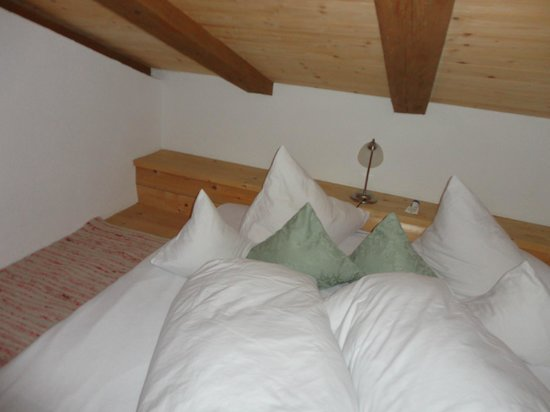letto matrimoniale in soppalco - Picture of Dorf Alm, Obergurgl ...